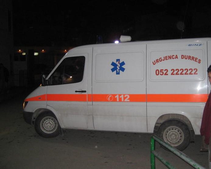 Helmohen 3 punonjës të paraburgimit dhe një i burgosur në Durrës