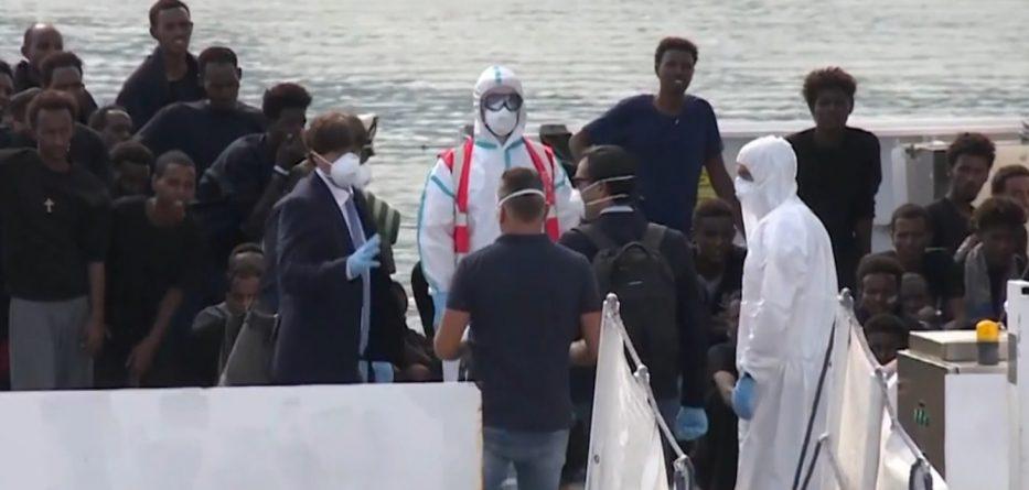 Kriza me emigrantët në Itali, Shqipëria gati të marrë 20 refugjatë