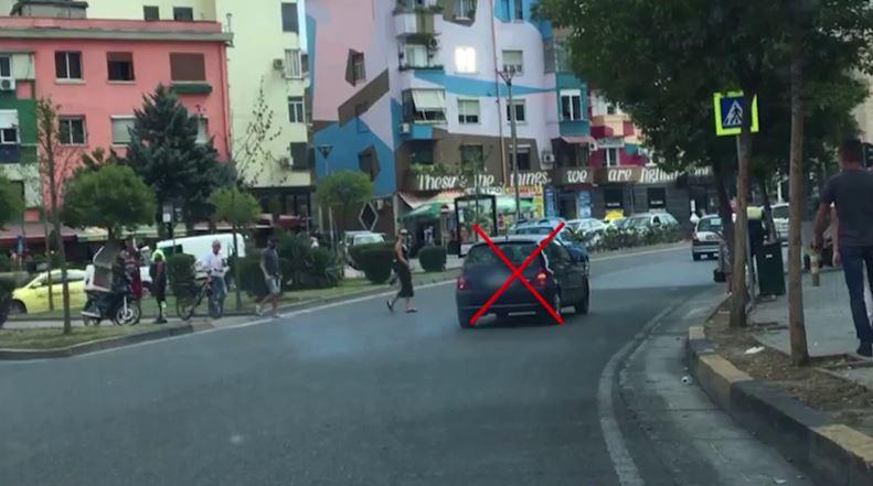Policia Rrugore: Masa administrative për shoferët që nuk respektojnë këmbësorët
