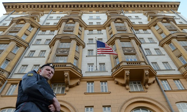 Zbulohet një spiune ruse në ambasadën amerikane në Moskë