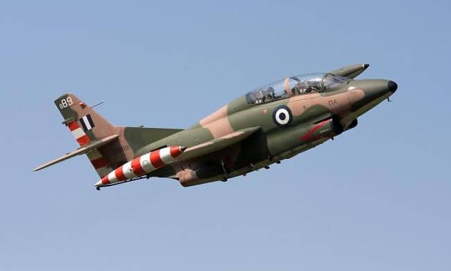 Rrëzohet avioni i ushtrisë greke