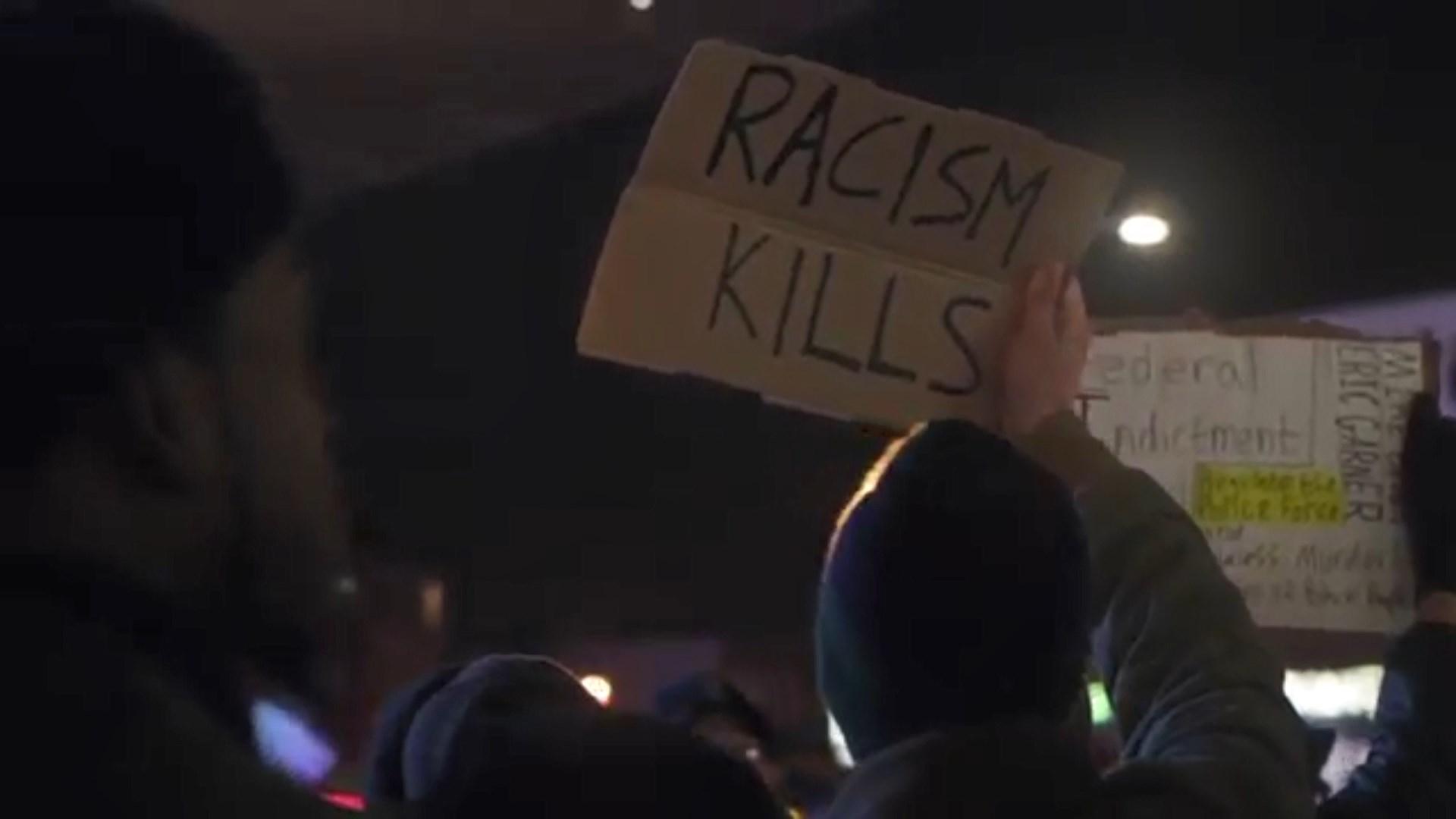 """Tom Waits këndon versionin anglisht të """"Bella Ciao"""", kundër diskriminimit"""