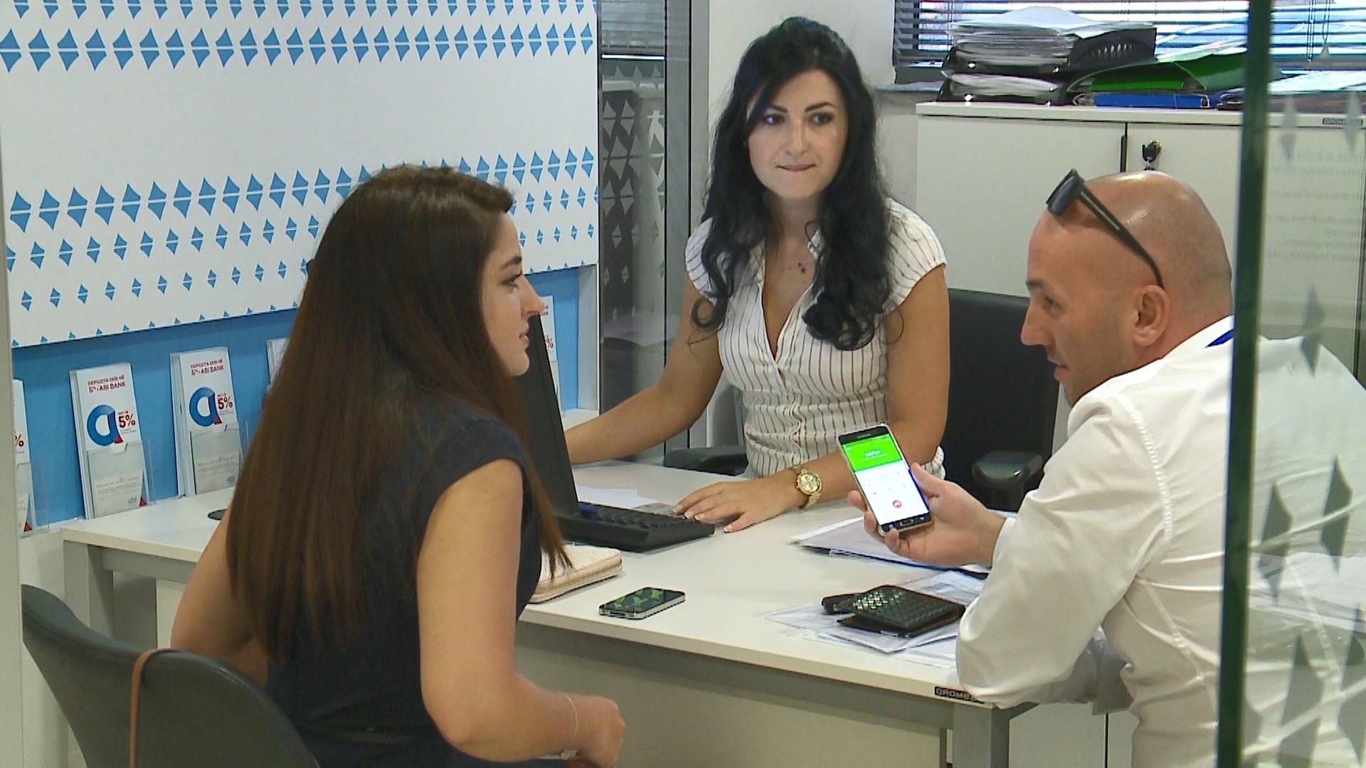 BSH: Rreth 1/3 e familjeve shqiptare kanë kredi në bankë