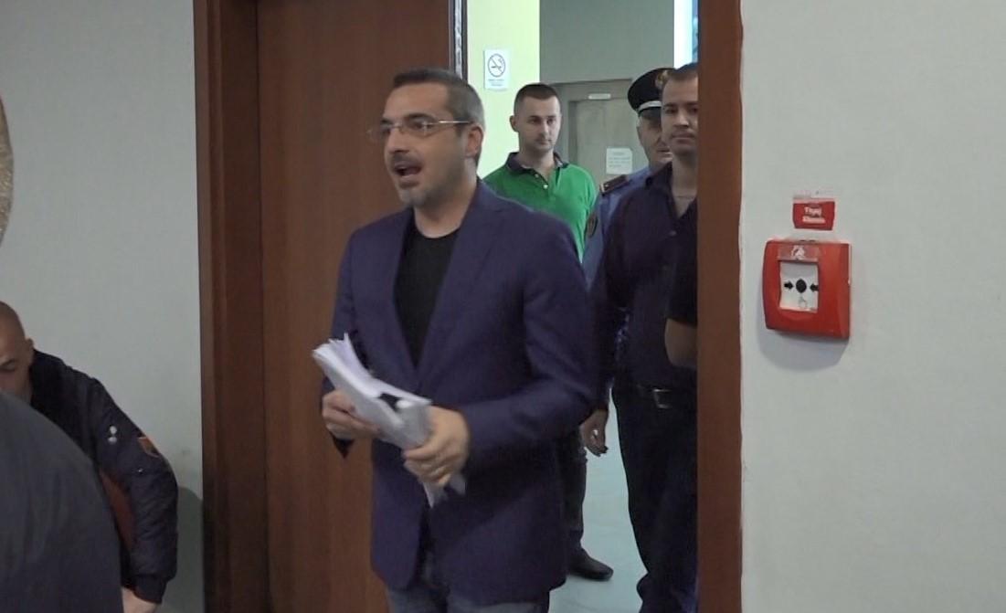 Mali i Zi kthen përgjigje për udhëtimin me jaht të ish-ministrit Tahiri