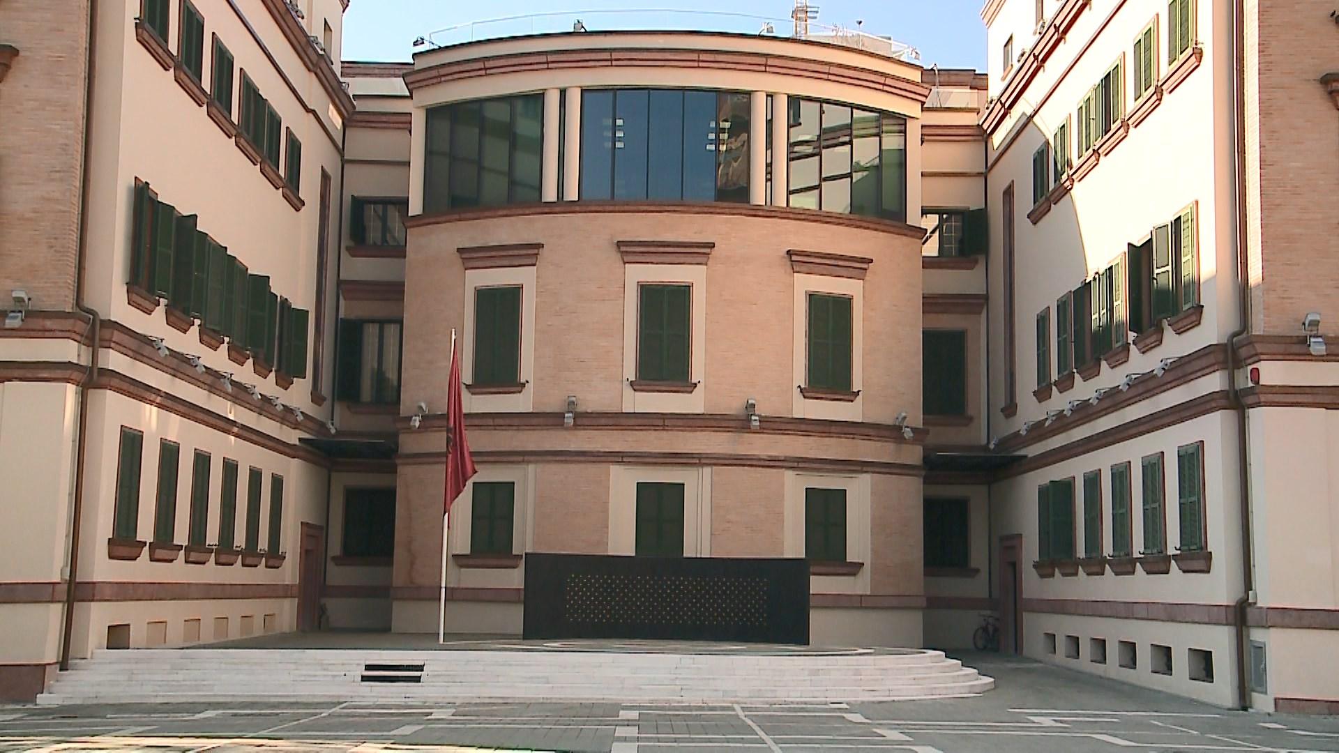 SHÇBA nis hetimet për vjedhjen në parkun e Ministrisë së Brendshme