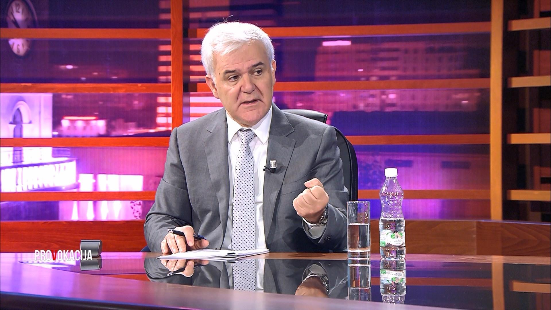 Xhafaj i përgjigjet opozitës me shifra për krimin në Vlorë