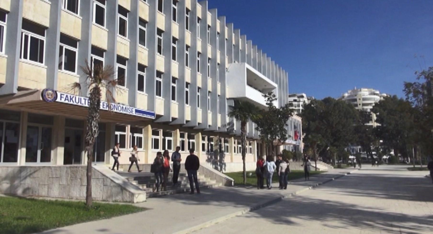 Shifrat e ulëta të regjistrimit në Uiniveristetin e Vlorës