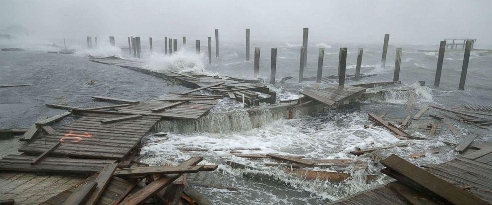 """Uragani """"Florence"""" në SHBA: 18 të vdekur, frikë për digat"""