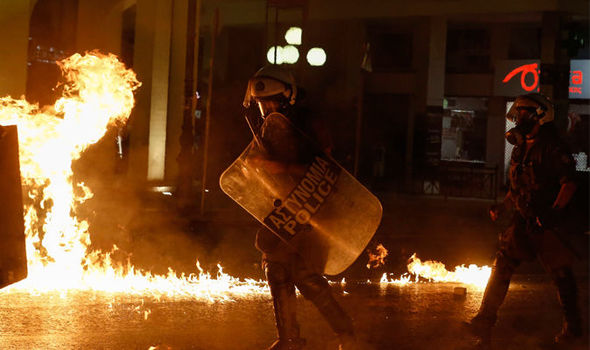 Protesta të dhunshme në Greqi