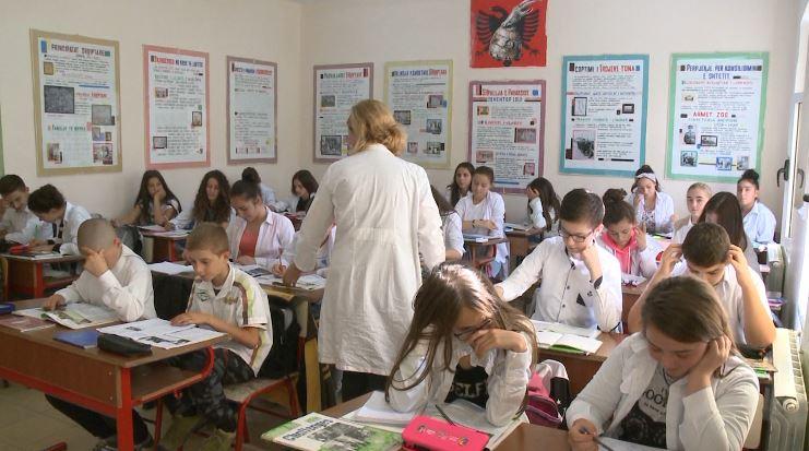 URDHRI / Pezullimi i mësimit për shkak të tërmetit, Ministria e Arsimit cakton 5 të shtuna për zëvendësimin