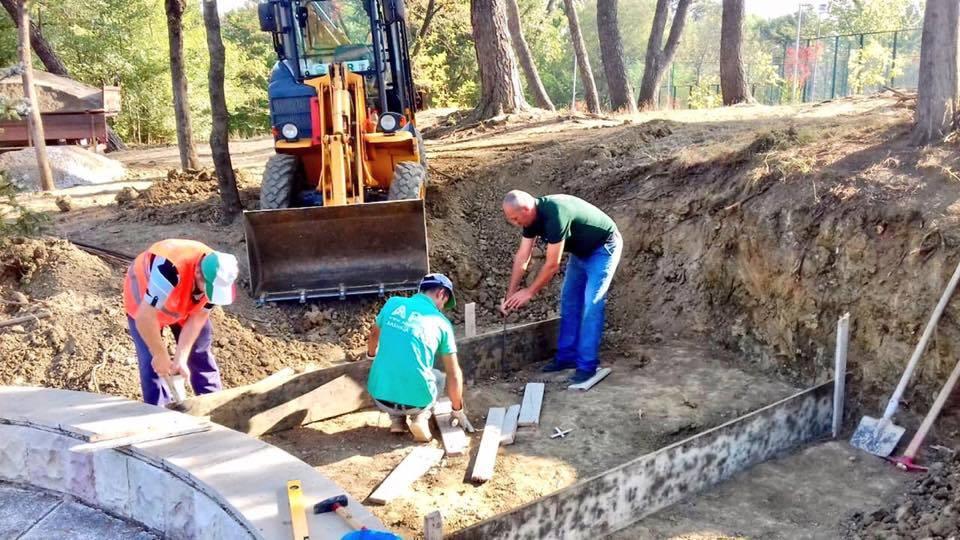 Kthimi i eshtrave të Mit'hat Frashërit, Bashkia nis ndërtimin e memorialit