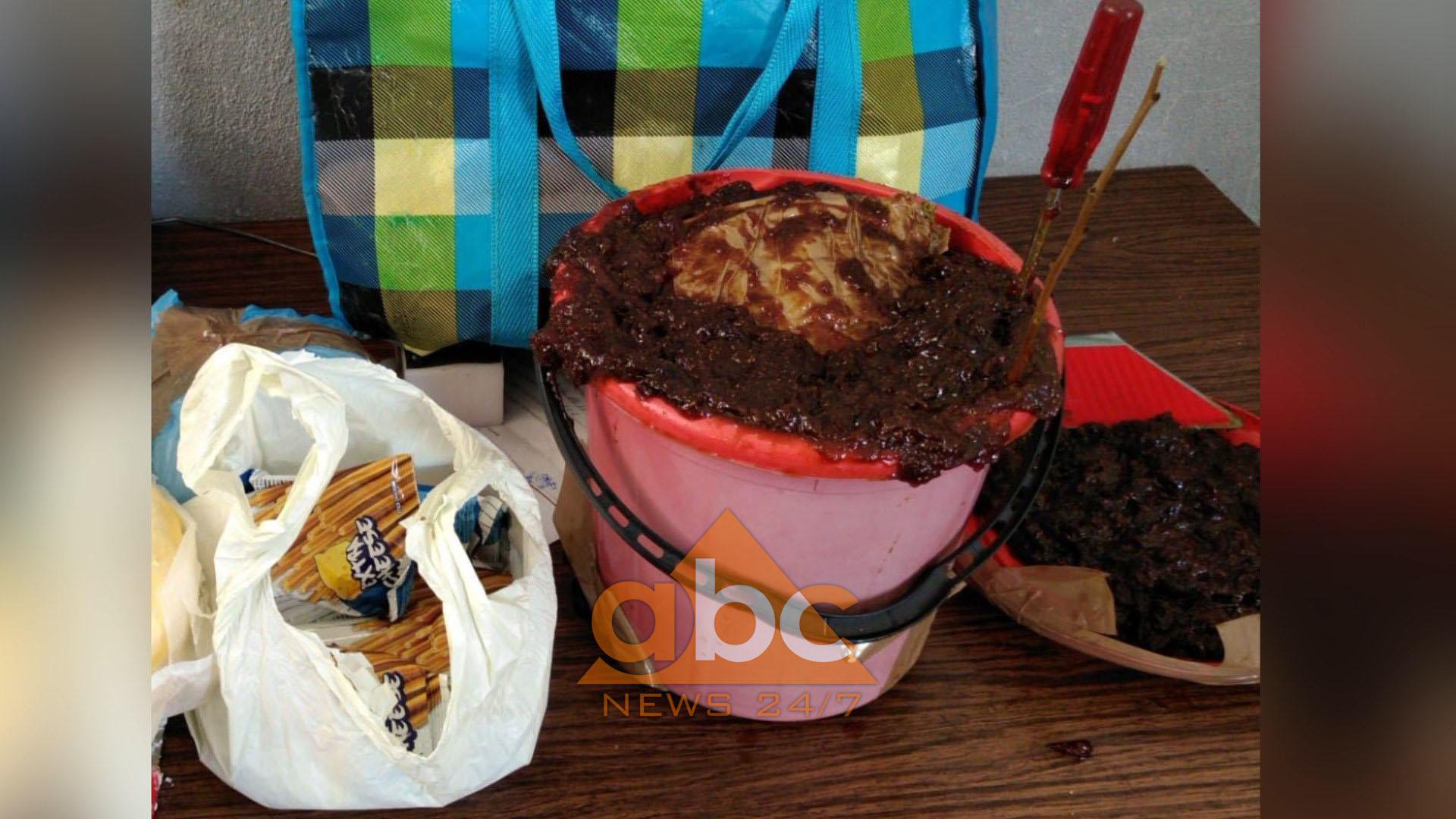 Kakavijë, drogë brenda kovës me reçel në autobusin Berat–Athinë