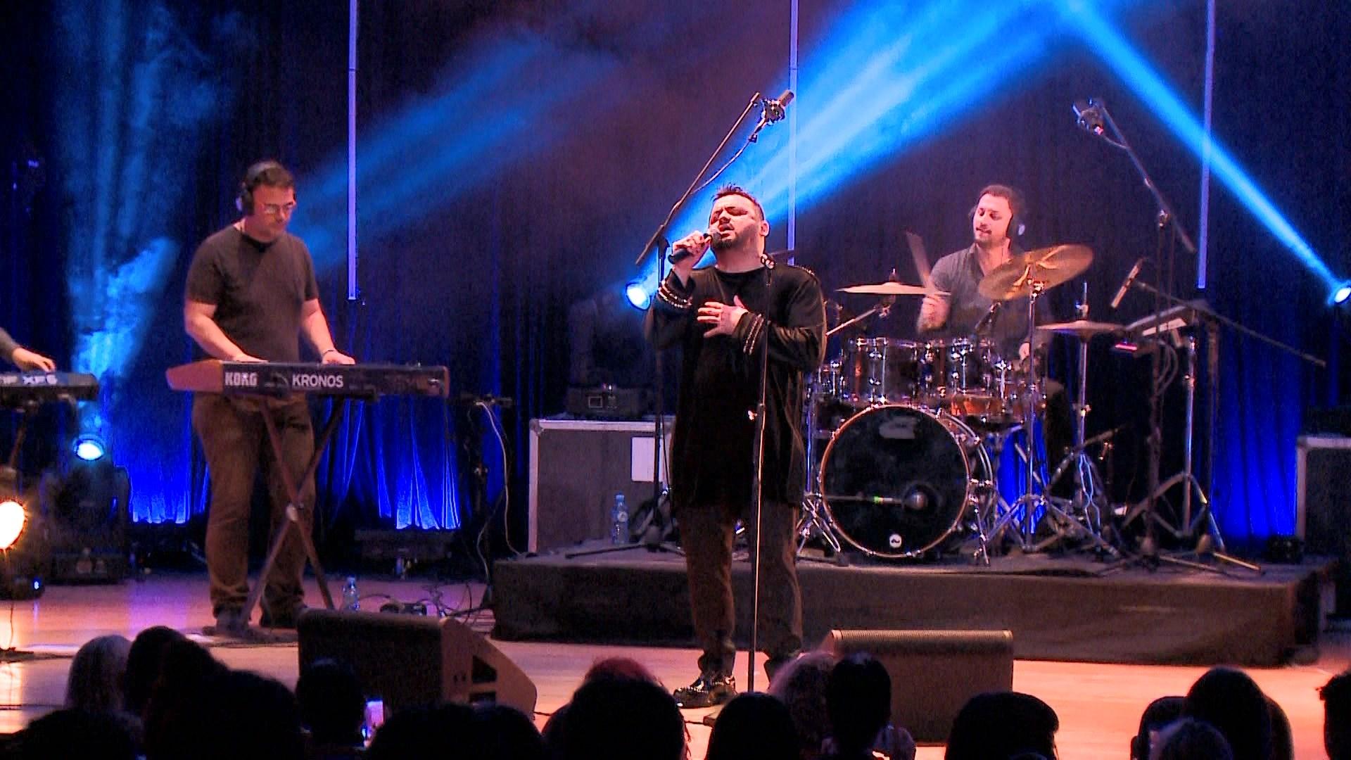 Mirëpritet koncerti recital në Tiranë i Mentor Hazirit