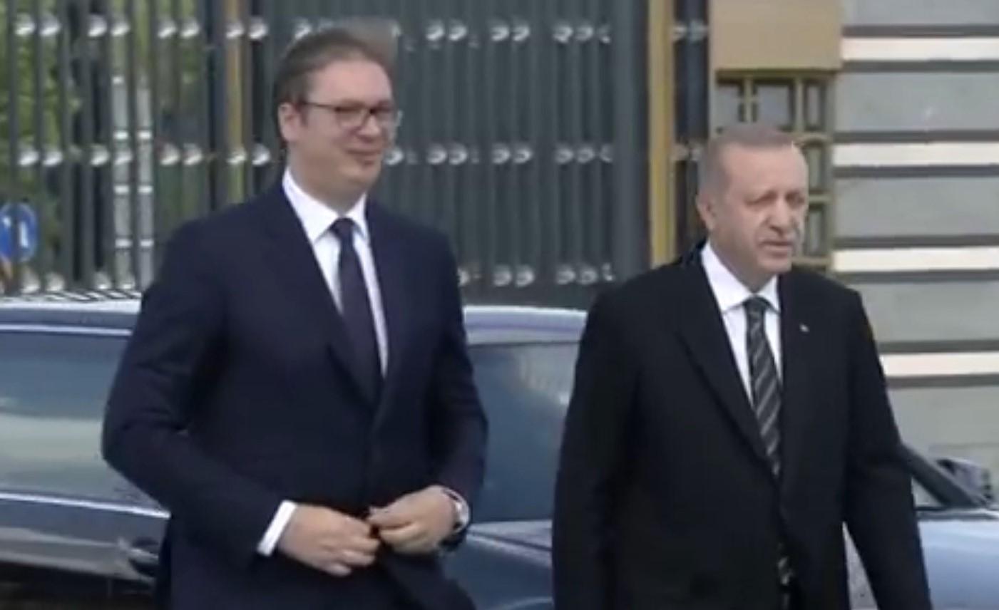Vuçiç telefonatë me Erdogan