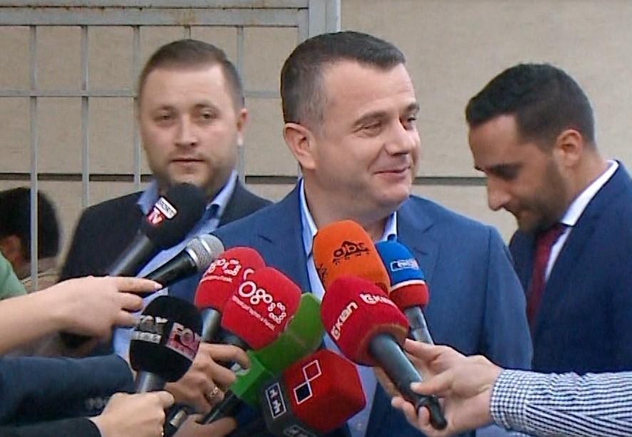 Taulant Balla paditet për shpifje nga Sali Lushaj dhe Avdyl Gjomakaj
