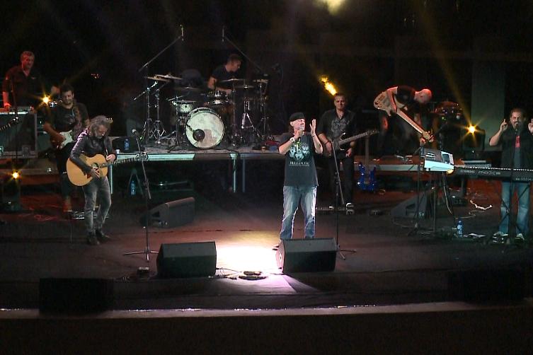"Koncerti i ""3 musketierëve"" mirëpritet nga spektatori kryeqytetas"