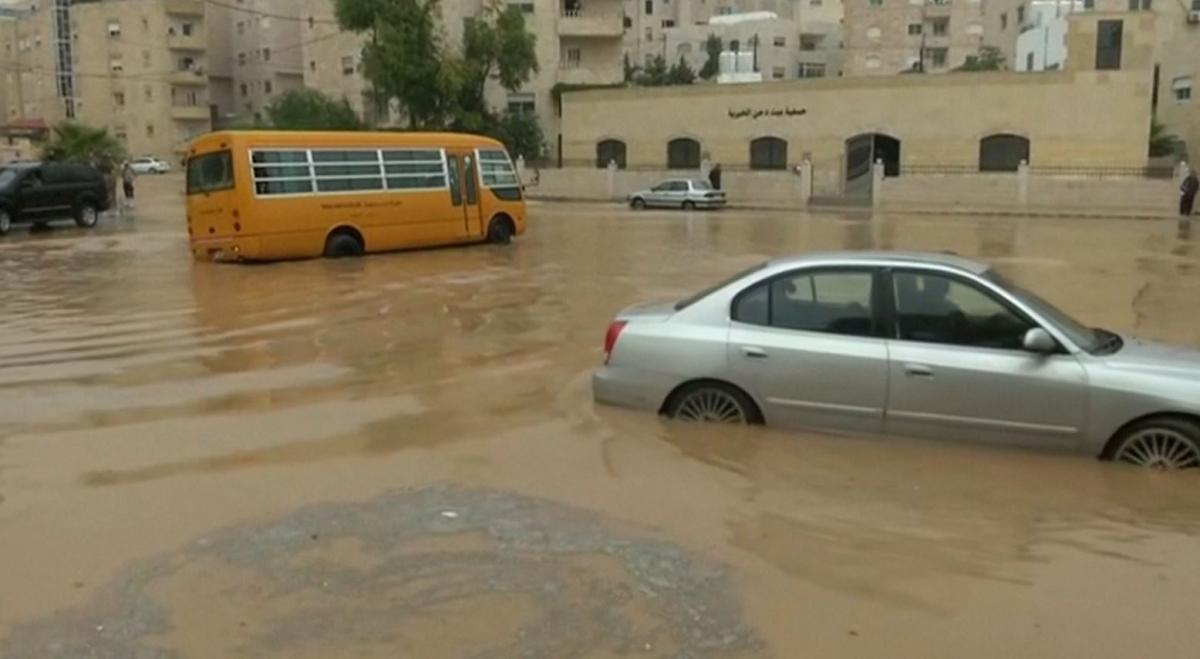 jordan-heavy-rain-causes-flooding-chaos-amman.jpg