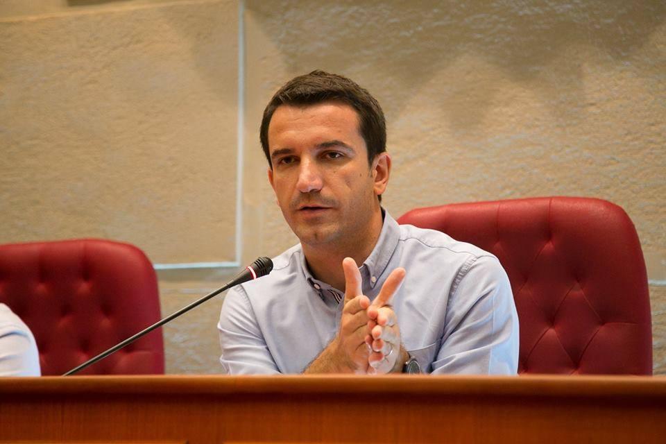 """Unaza e re/ Veliaj: Basha po përdor protestuesit si """"mish për top"""""""