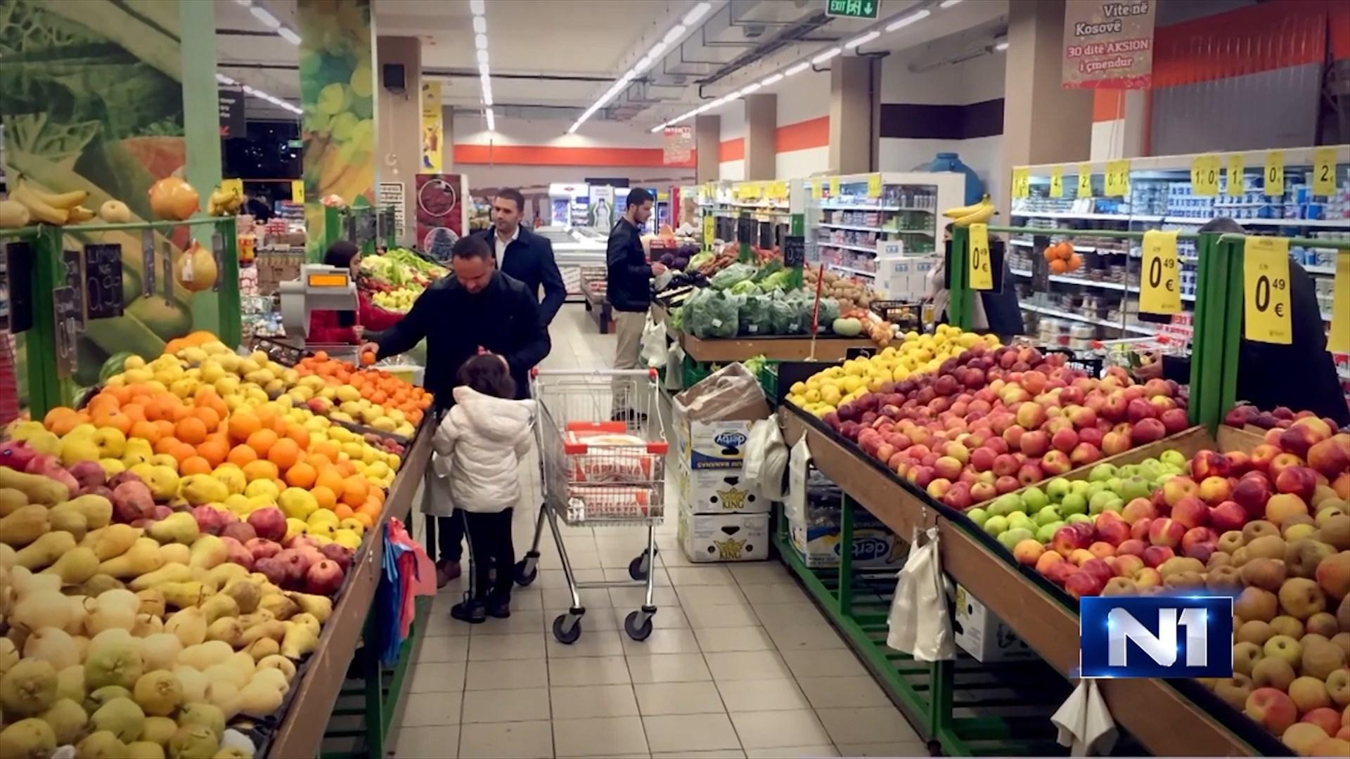 Ekonomistët serbe bëjnë llogaritë: Ja sa humb vendi nga taksa 100%