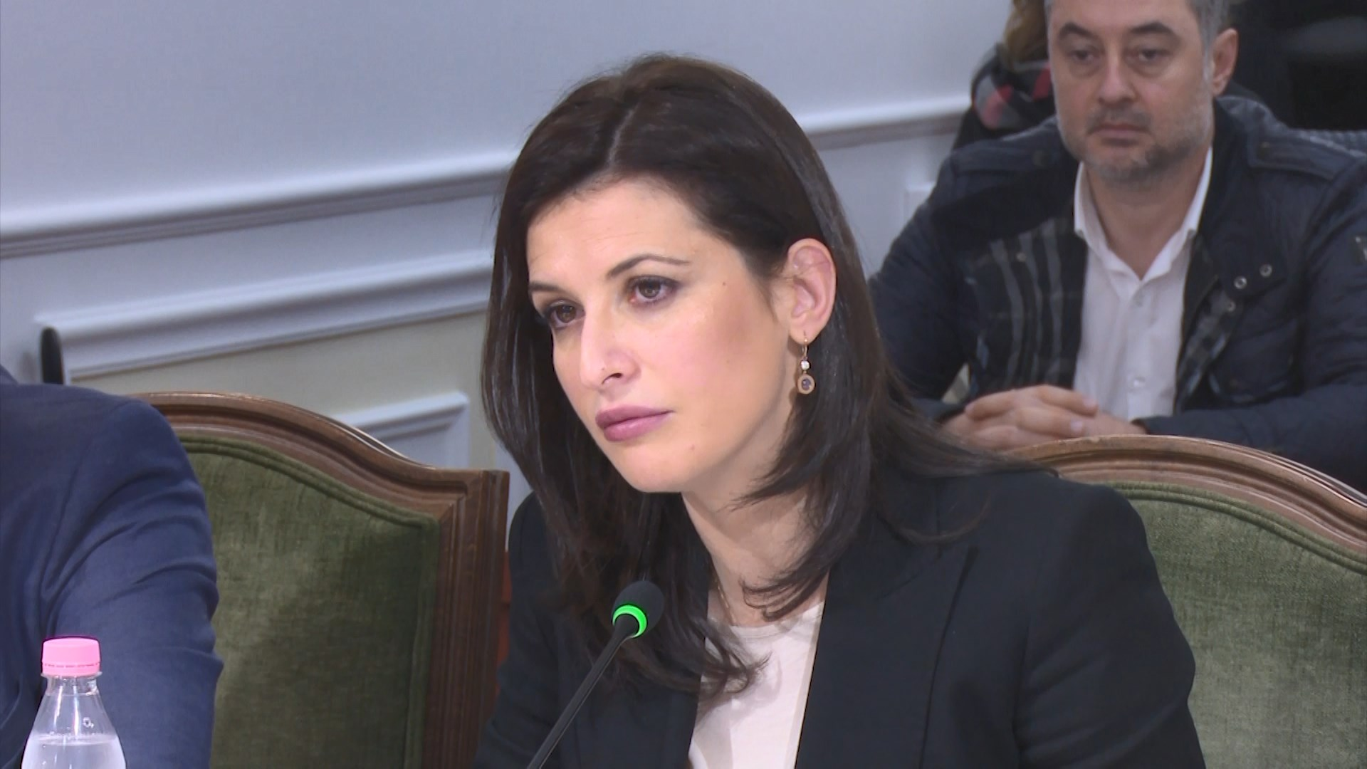 """""""Ligjet"""" miratojnë regjimin e posaçëm të të burgosurve"""