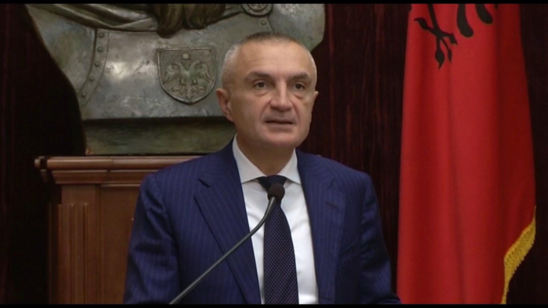 Presidenti Meta dekreton ndryshimet në ligjin për lojërat e fatit
