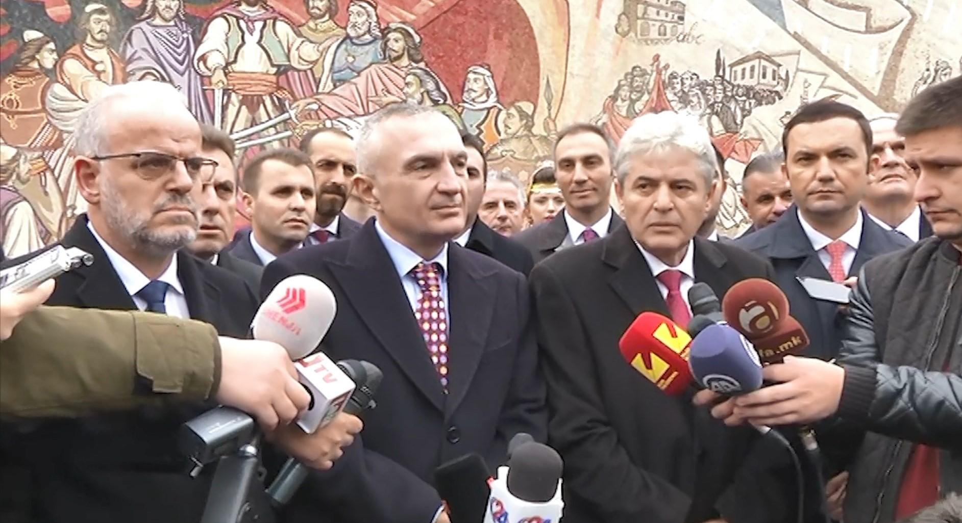 Meta vizitë zyrtare në Shkup, nderon figurën e Skënderbeut