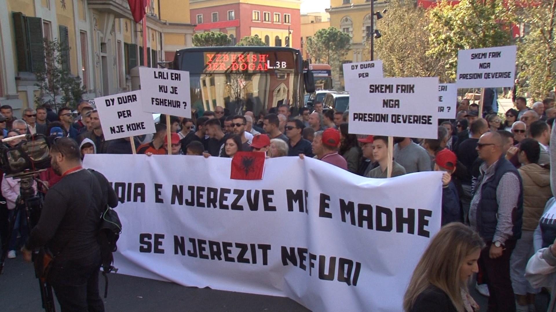 Projekti për unazën e madhe në Tiranë, banorët protestojnë para Bashkisë