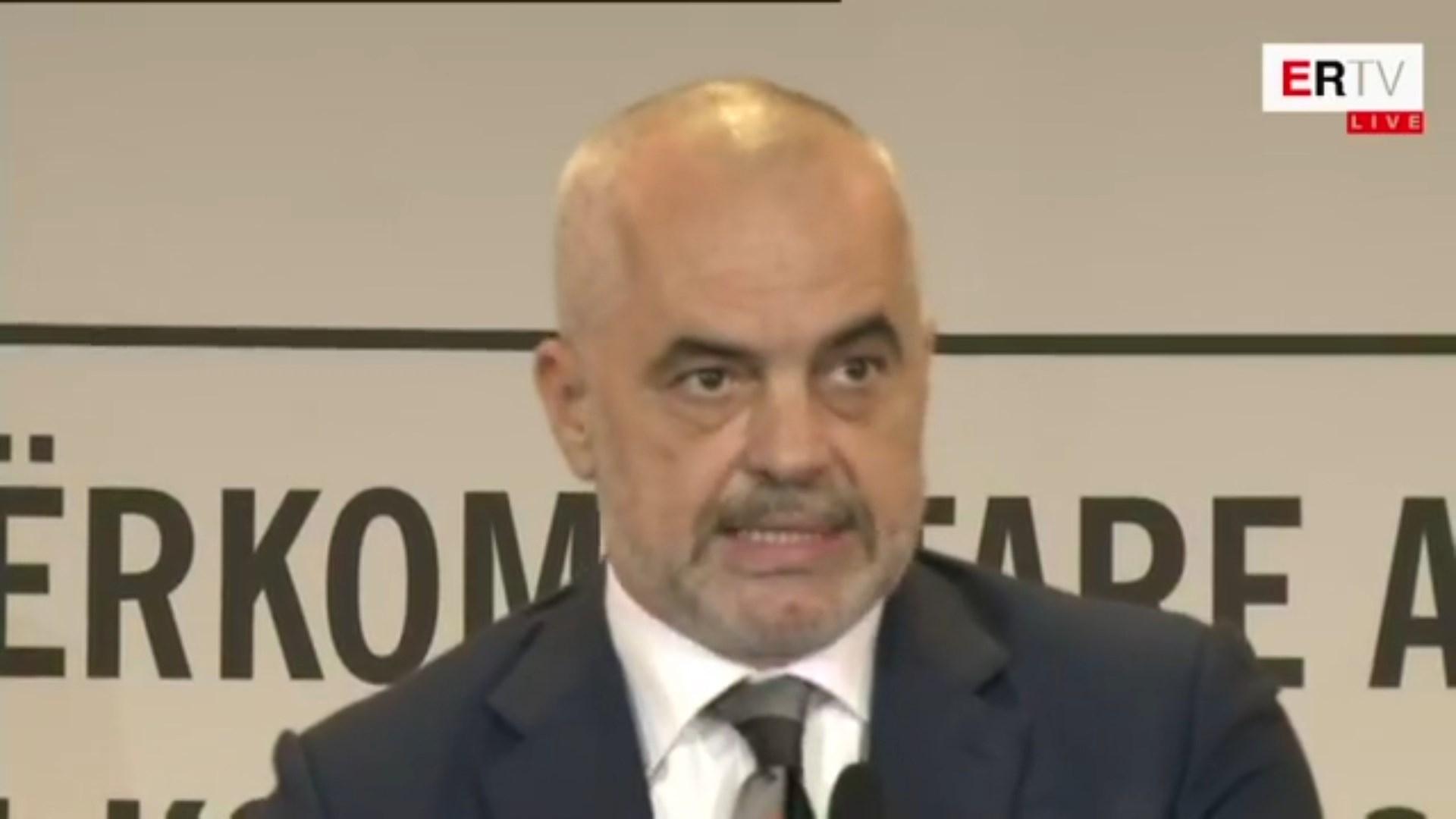 Konferenca Albanologjike kushtuar Skënderbeut, nderohet albanologia kineze