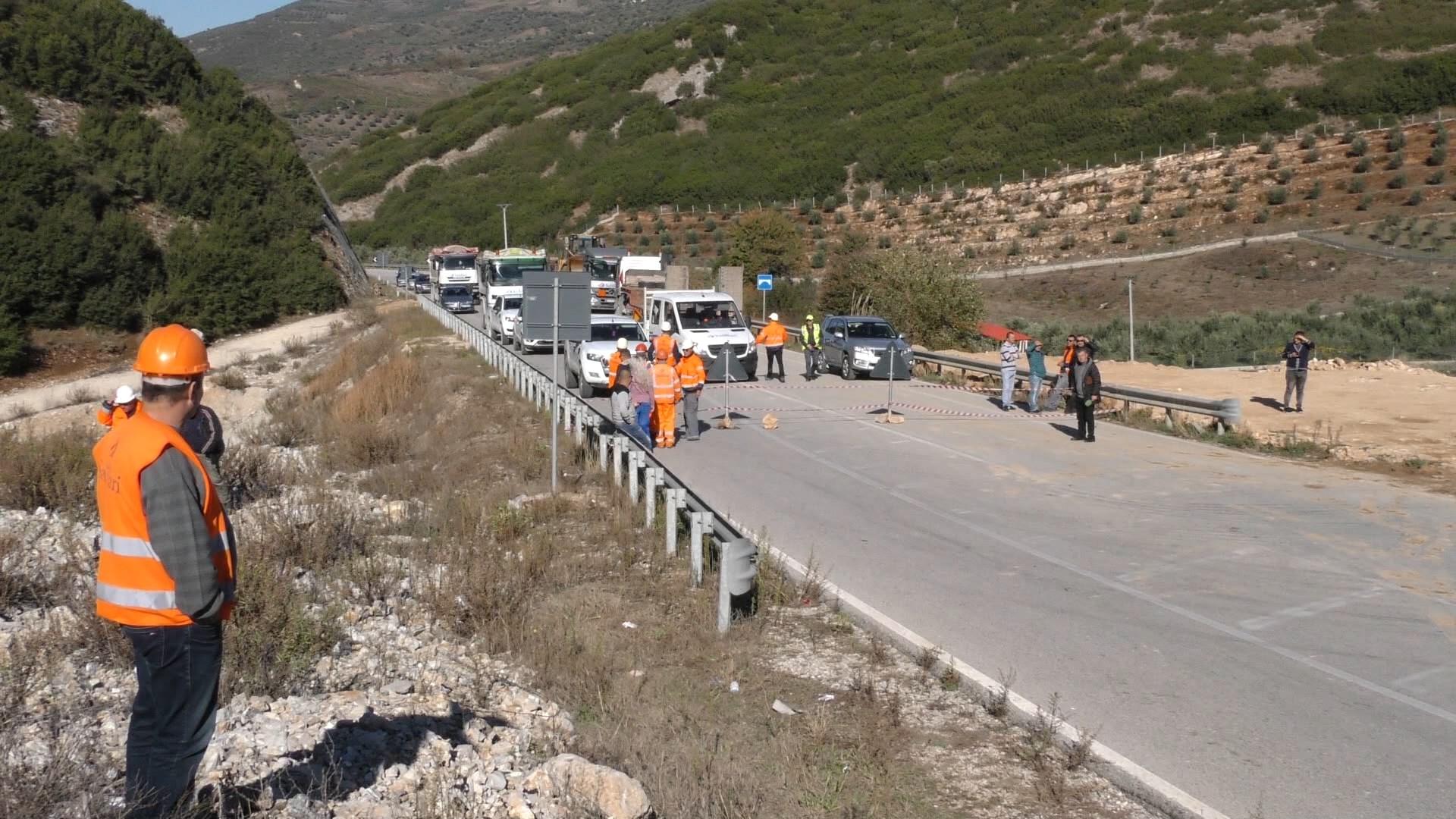 Rrëshkitje gurësh në Levan – Tepelenë, ARRSH devijon qarkullimin