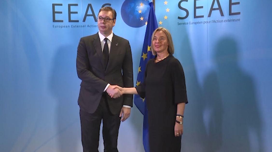 Beogradi shpreson tek Macron