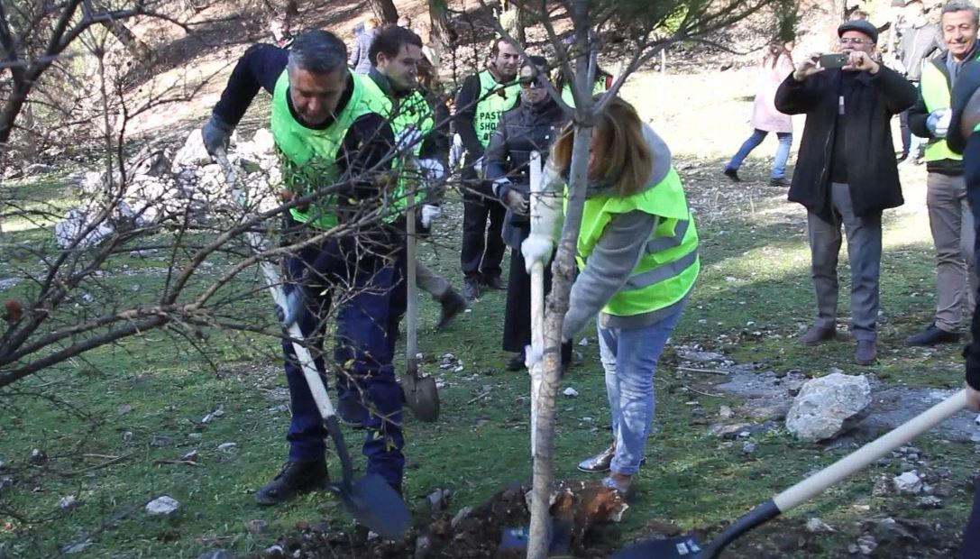 Klosi: Në 23 Nëntor nis aksioni i pastrimit