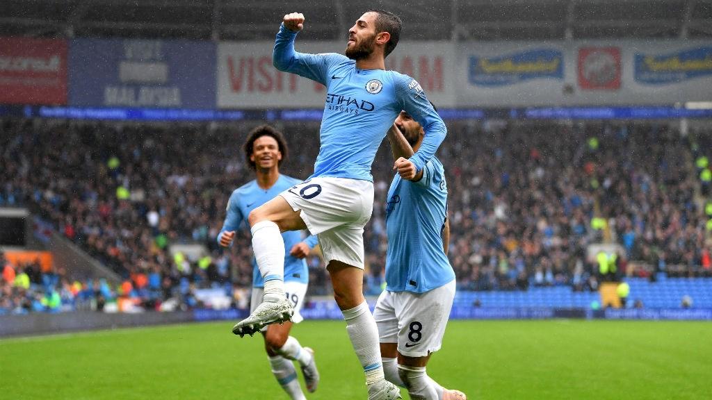 Mançester Siti kryeson Premier Ligën