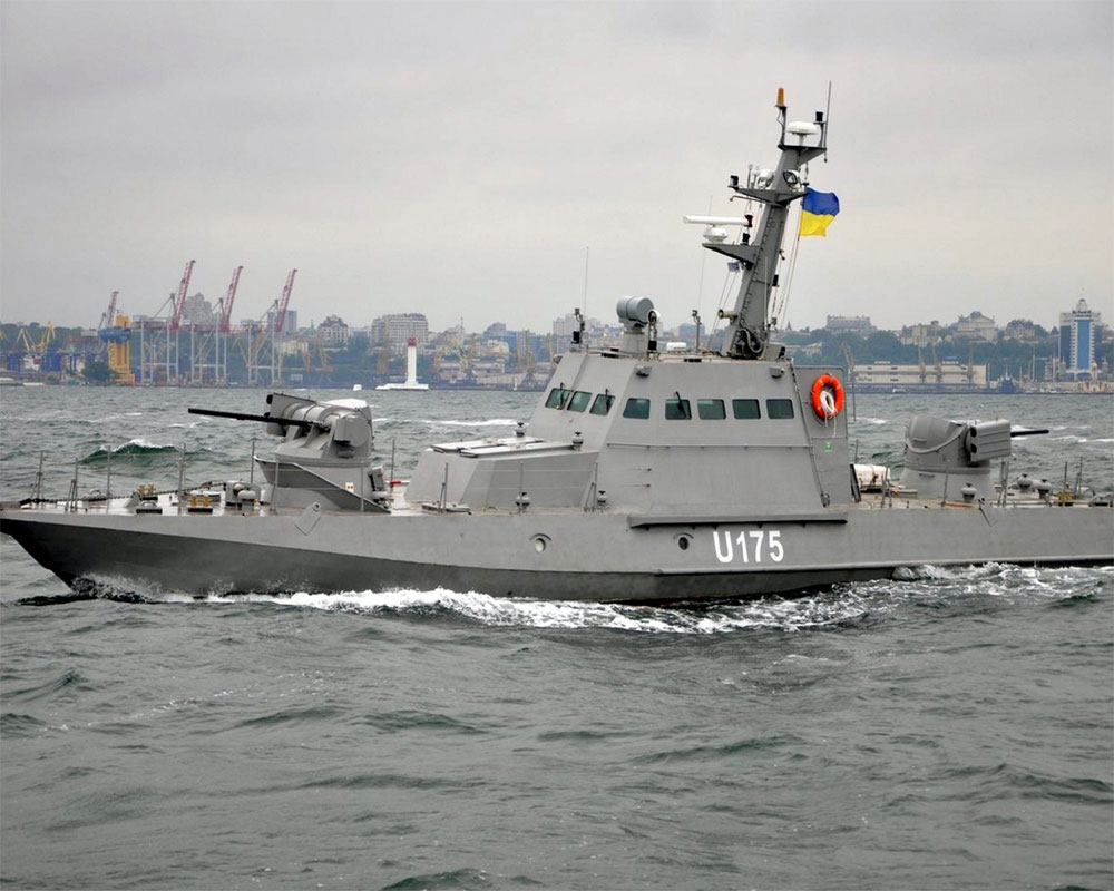 russia-seizes-three-ukrainian-naval-ships-off-crimea-2018-11-26.jpg