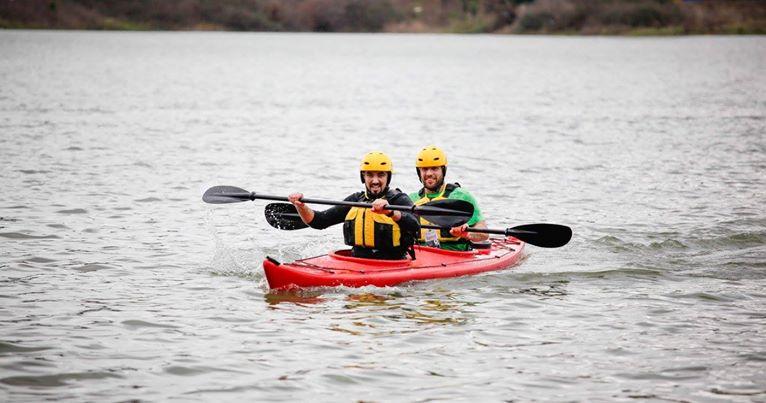"""Liqeni i Tiranës, mbahet kampionati i parë """"Canoe & Kayak Sprint"""""""