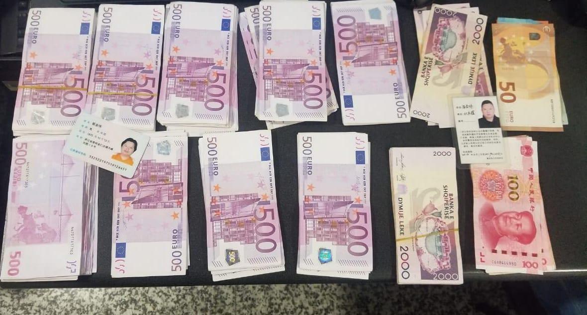 Rinas, arrestohet kinezi me 80 mijë euro të padeklaruara