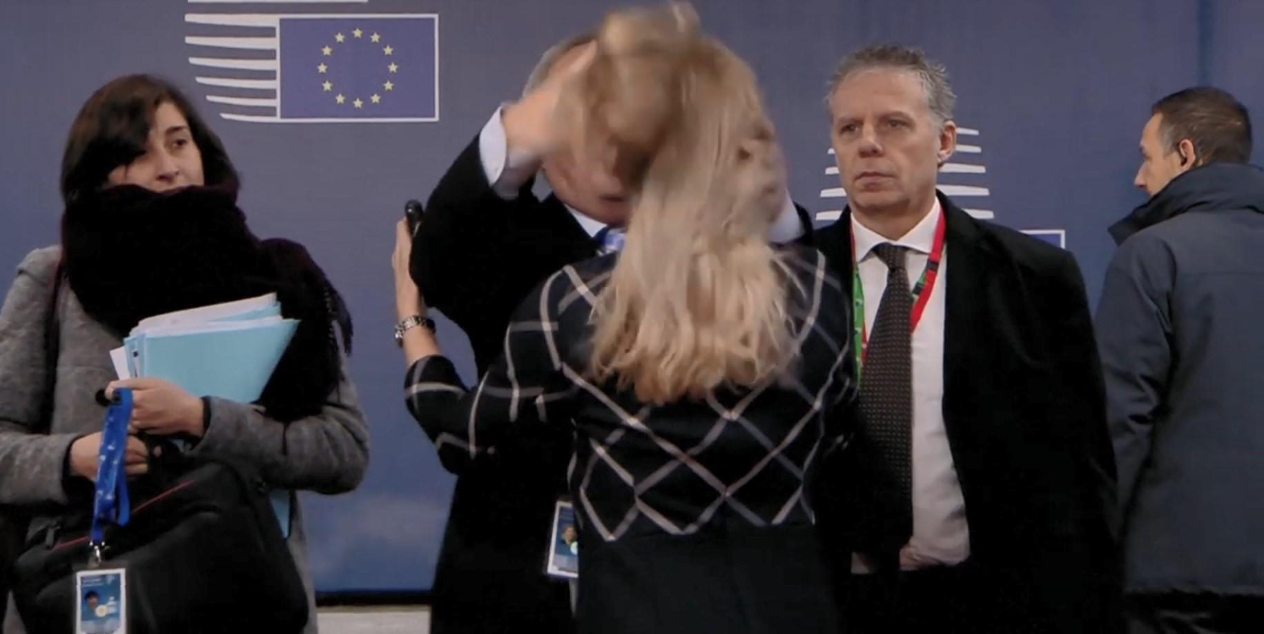 Shfaqja e Juncker në Bruksel bën xhrion e botës