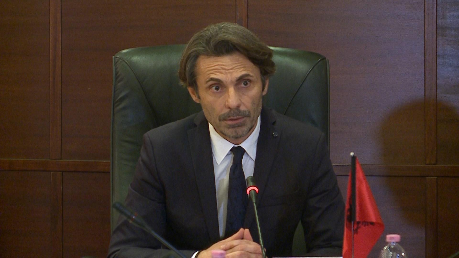 """Kritikat ndaj SPAK, KLP """"qorton"""" Theo Jacobs: Institucionet e drejtësisë janë të brishta"""