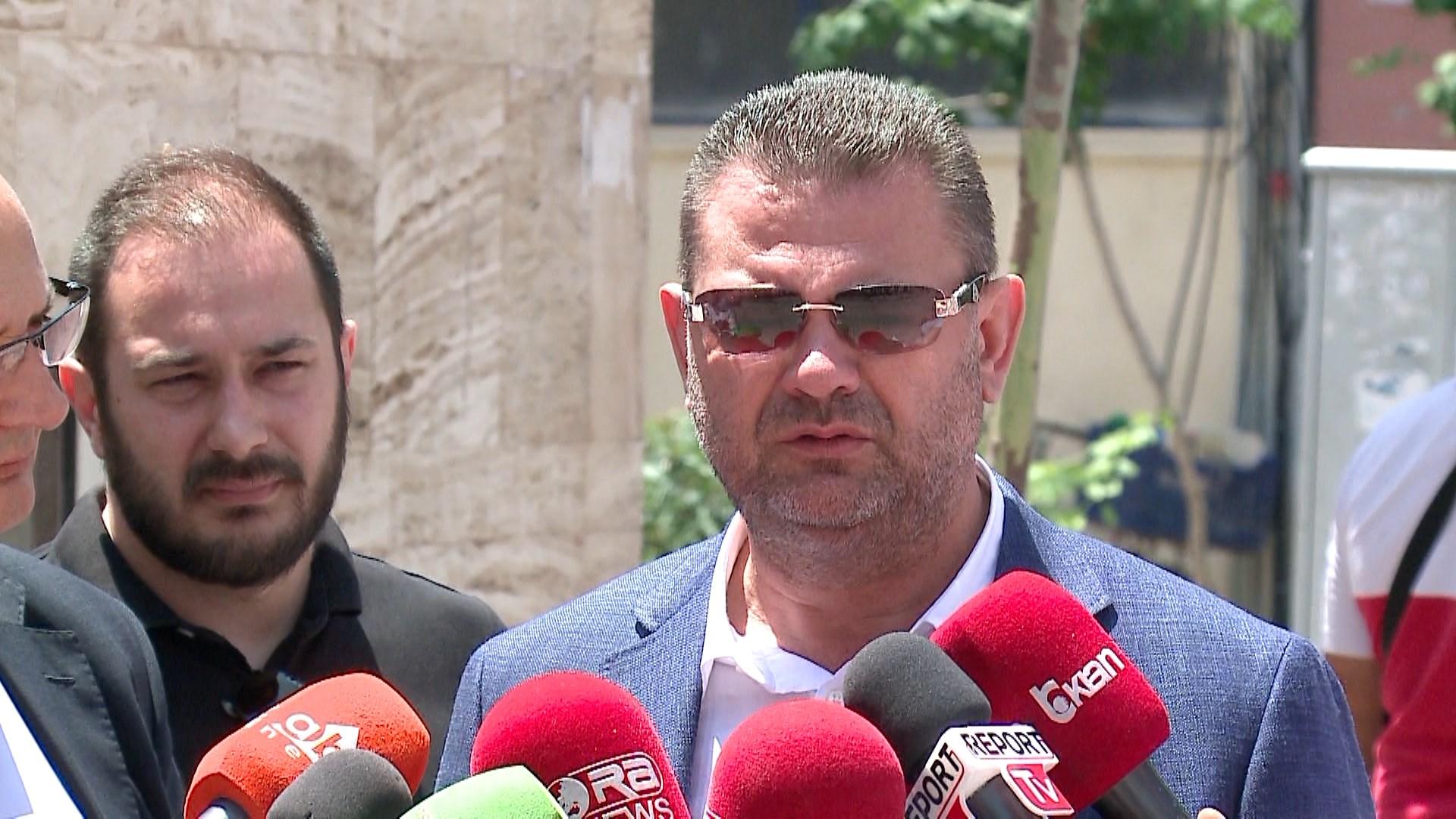 Gjykata e Tiranës kërkon vlerësim nëse duhet gjykuar Tom Doshi