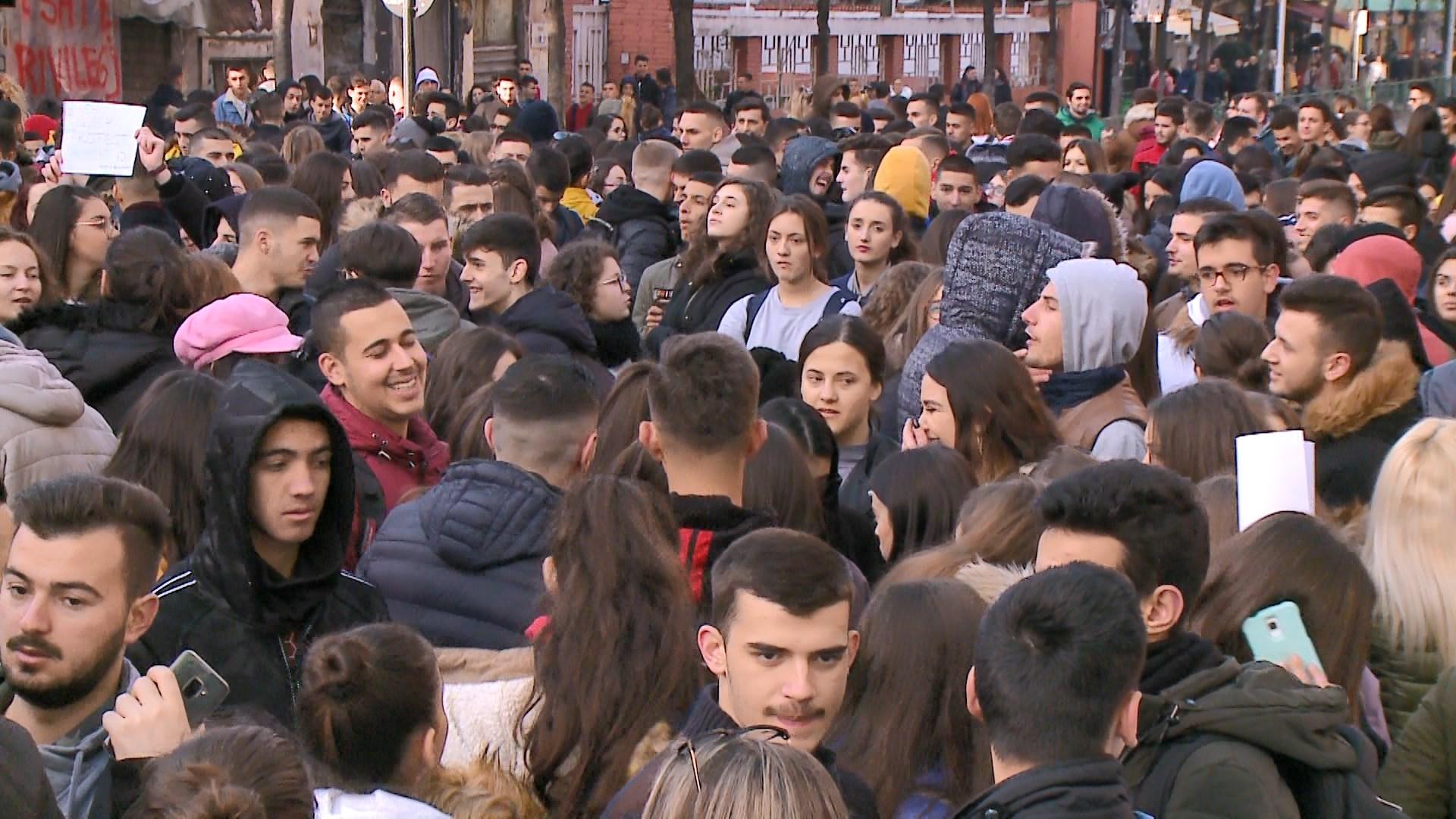 Përçahet protesta e studentëve: Ndahen në tre grupe