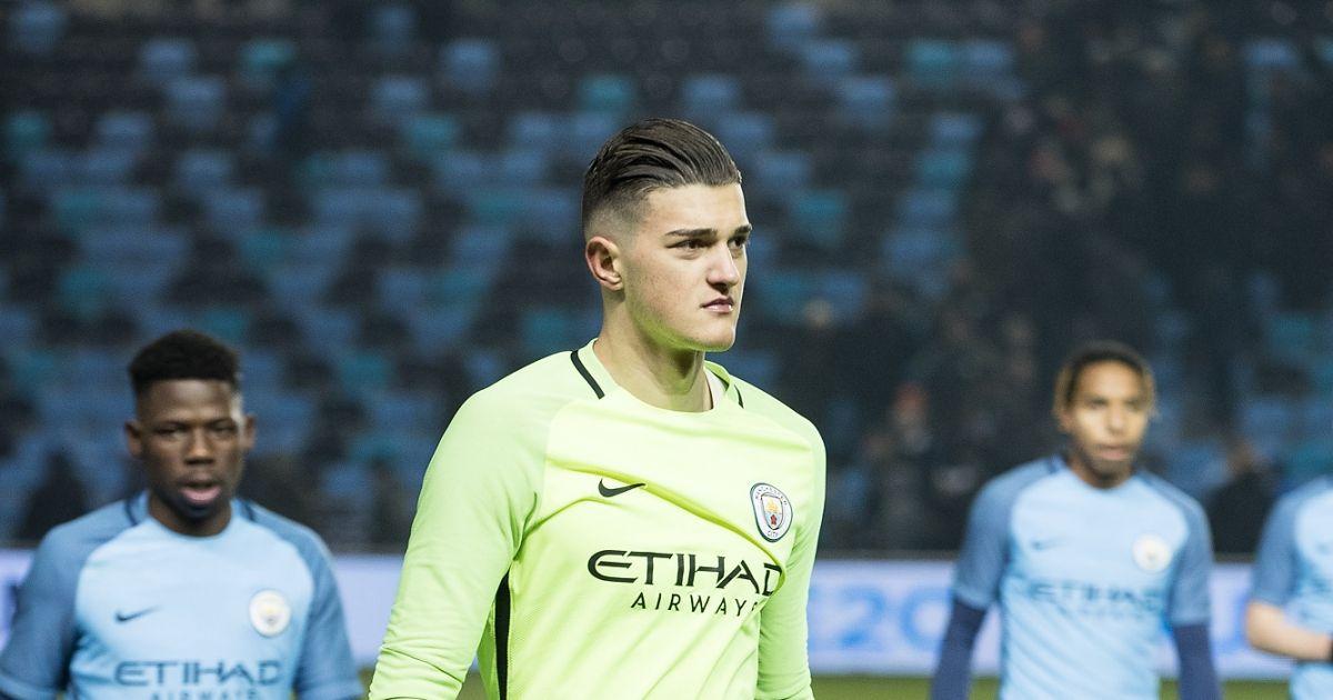 Portieri i Kosovës kualifikon Manchester City-n në Kupën e Ligës