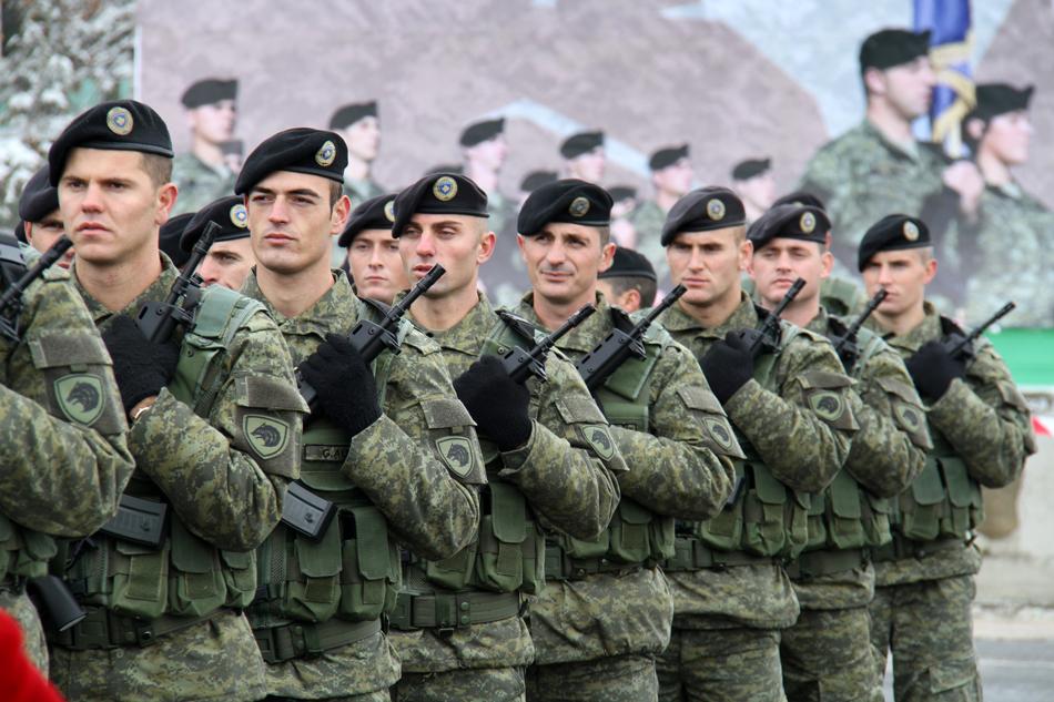 Politika shqiptare uron Kosovën për krijimin e ushtrisë
