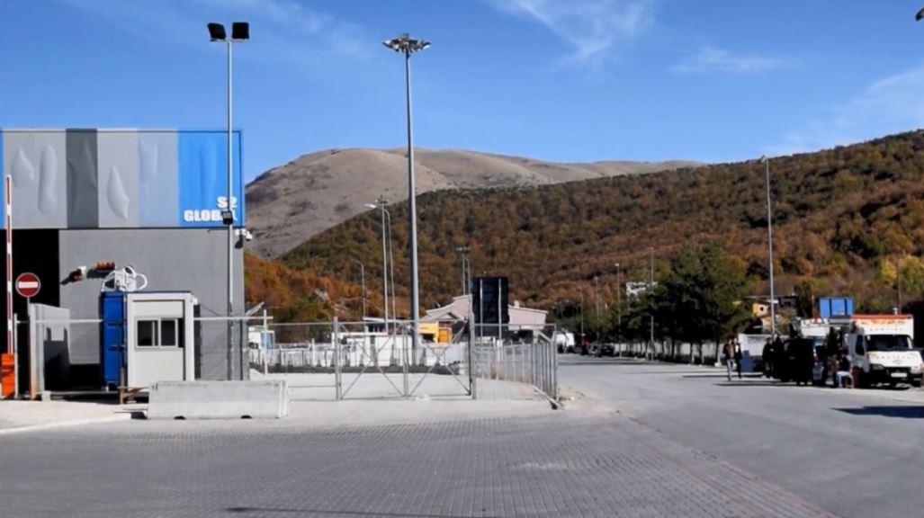 Tentuan të kalonin kufirin, kapen 18 klandestinë në Kapshticë