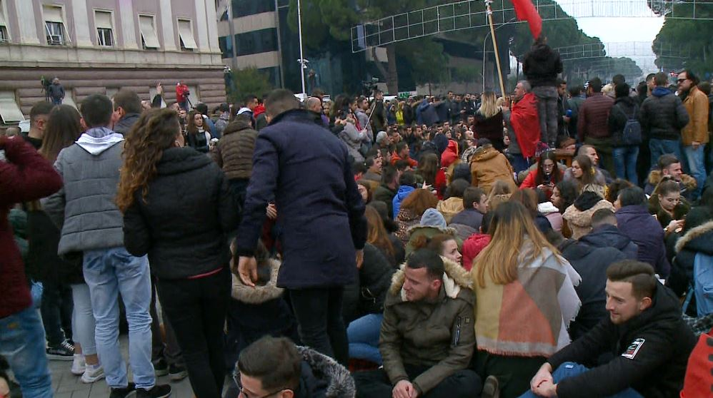 protesta-kryeministria.jpg