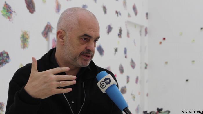 DW intervistë me Edi Ramën, Kryeministri mes artit dhe politikës