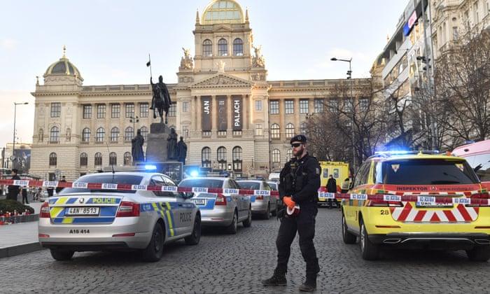 Një person i vë zjarrin vetës në Pragë, përsëritet historia e para 50 viteve