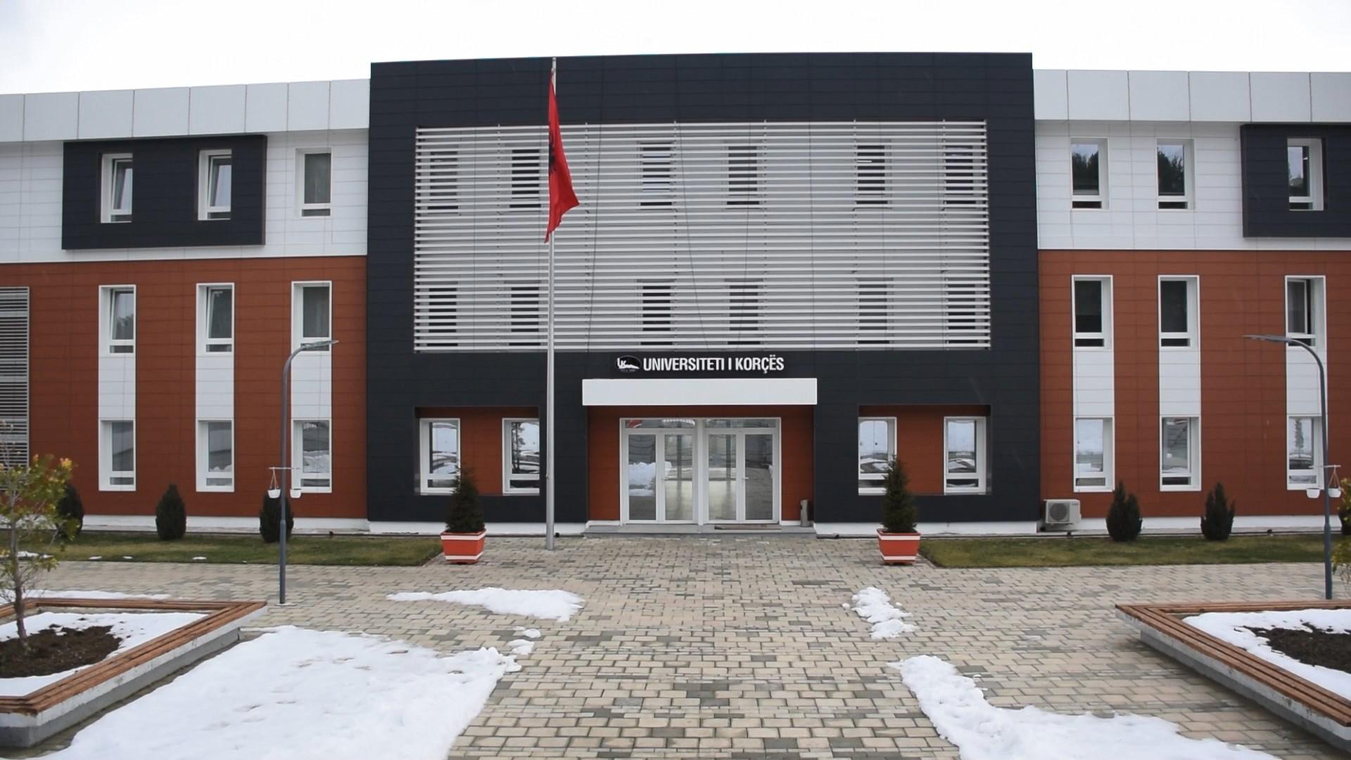 Merr fund bojkoti në Korçë, pedagogët do t'i nënshtrohen vetingut