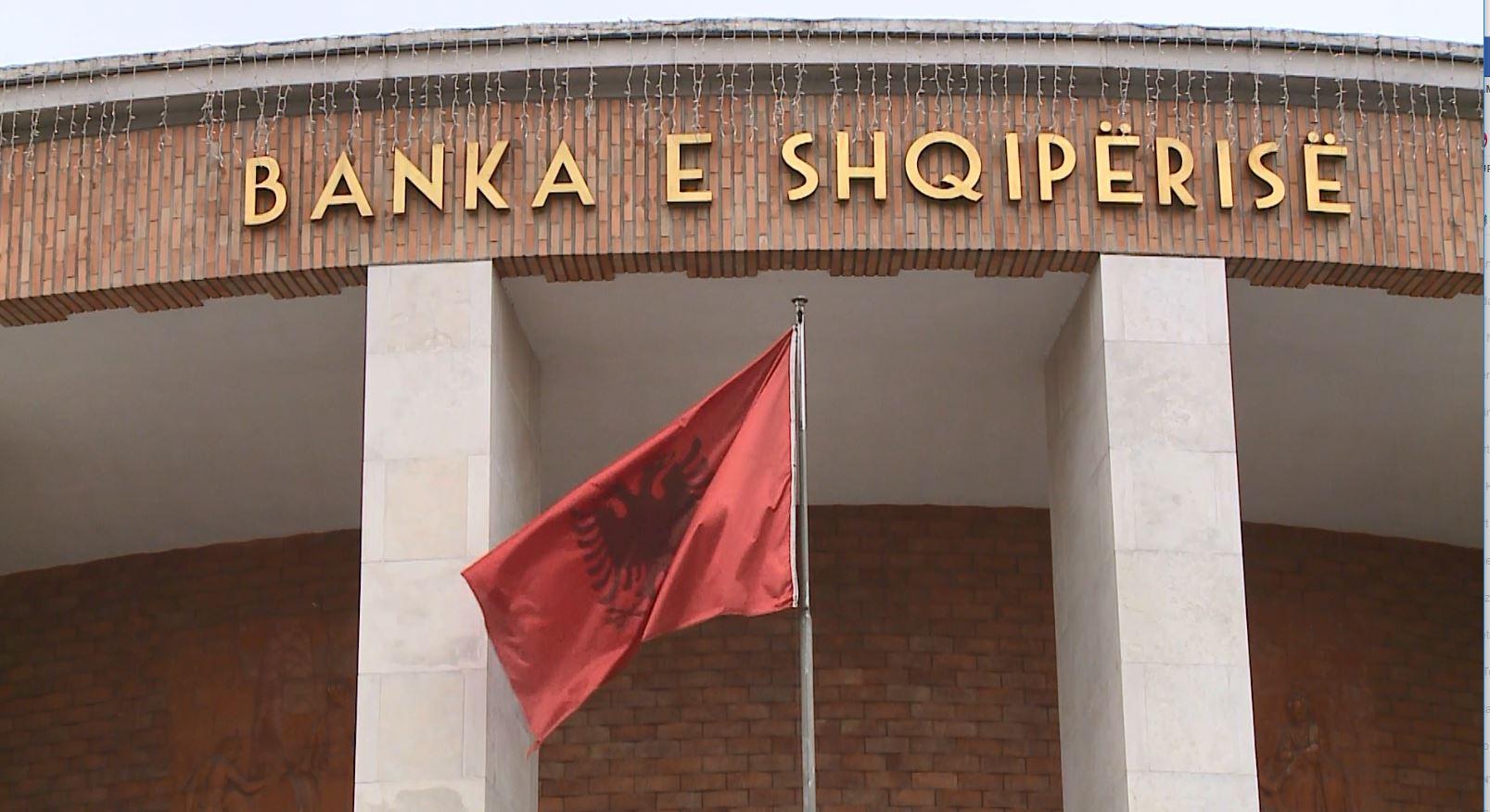Banka e Shqipërisë reagon indirekt për shkarkimin e Arben Malajt