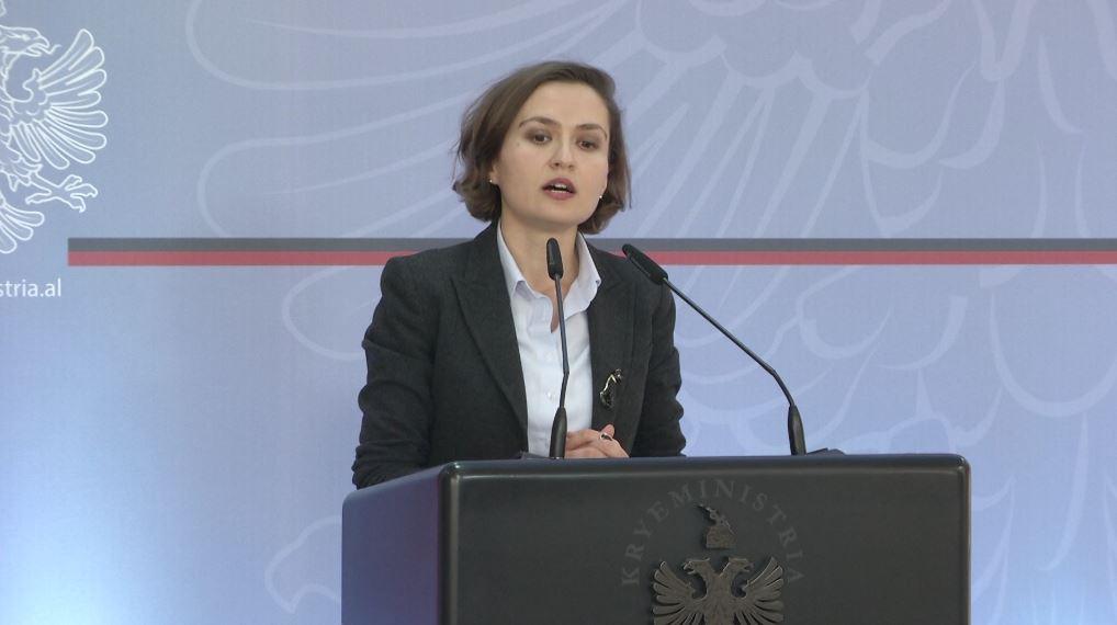 Komandohet Rektori i ri i Universitetit të Tiranës