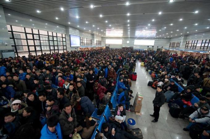 Rikthimi i kinezëve në shtëpitë e tyre për vitin e ri hënor