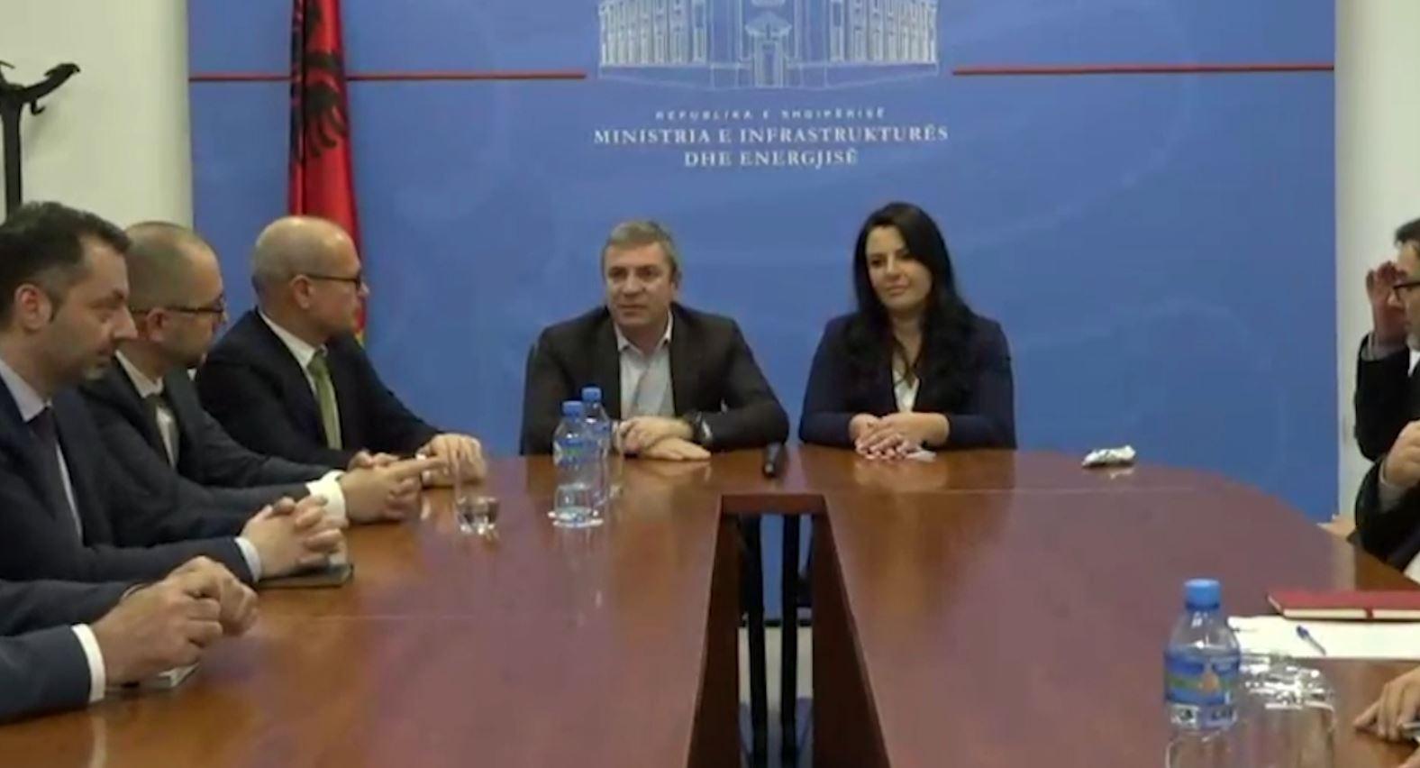 Ministrat e rinj marrin detyrën, premtojnë ecurinë e reformave